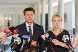 """Nowoczesna oczekuje wyjaśnień od ministra Błaszczaka ws. zajść podczas uroczystości pogrzebowych """"Inki"""" i """"Zagończyka"""""""