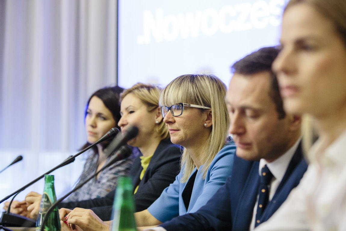 Konsultacje społeczne – Przedsiębiorczość kobiet.  Szanse, perspektywy, bariery