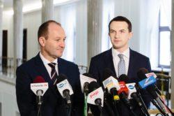 Adam Szłapka i Marek Sowa: To, co robi Antoni Macierewicz w wojsku, to jest bolszewicka czystka!