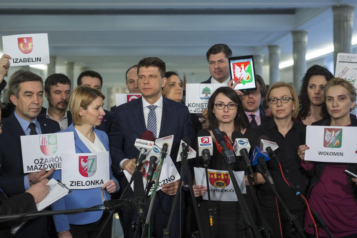 #NicONasBezNas: posłowie Nowoczesnej w podwarszawskich gminach o ustroju Warszawy