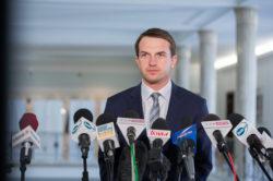 Nowoczesna pyta rząd o kibolskie ekscesy na Jasnej Górze