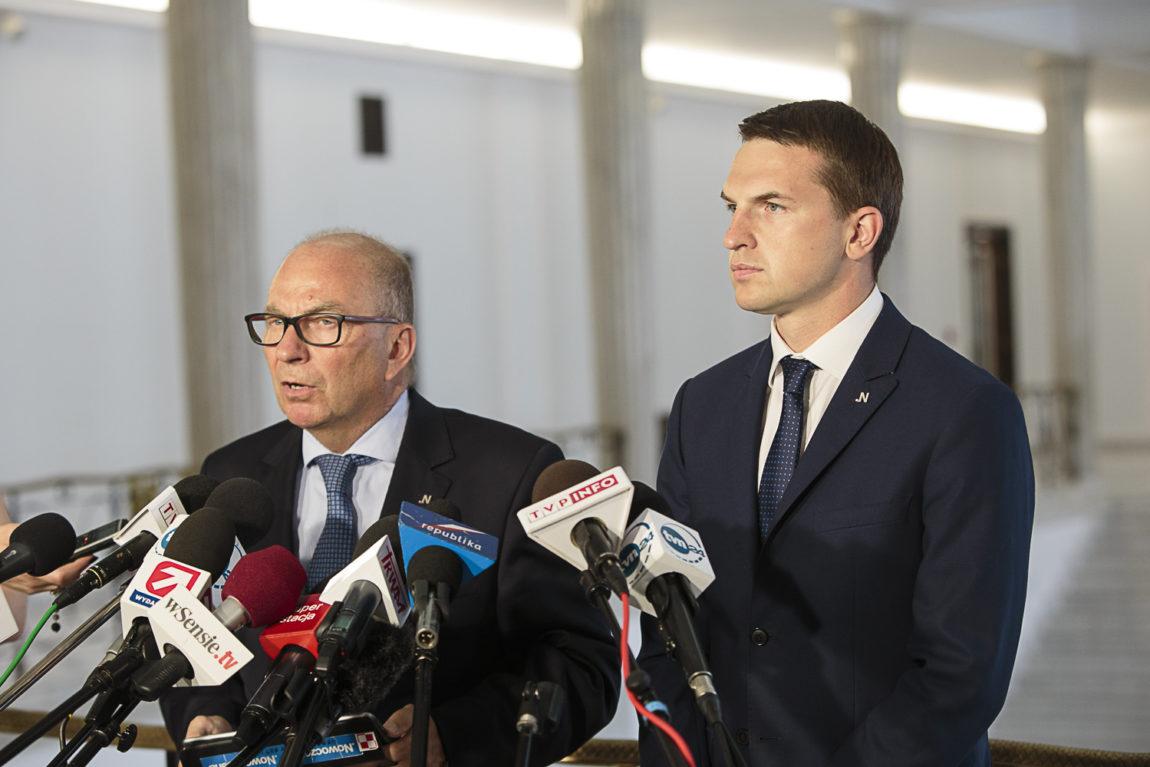 Trzeba wyjaśnić niejasne kontakty szefów MON z rosyjskimi służbami