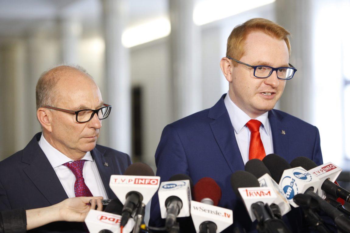 Meysztowicz: PiS wymyśla kolejne programy, by kupować sobie głosy Polaków