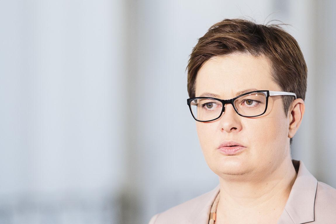 Lubnauer: Proszę Donalda Tuska o spotkanie. PiS krok po kroku  wyprowadzą Polskę z Unii