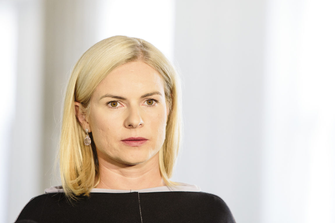 Joanna Schmidt: Ustawa przygotowywana przez PiS zamiast walczyć z patologiami, może zachęcić do produkcji fake newsów