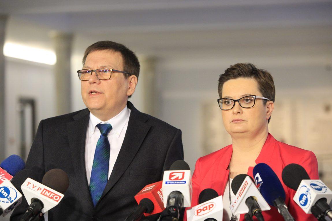 Nowoczesna: Pan minister Radziwiłł igra ze zdrowiem i życiem Polaków.