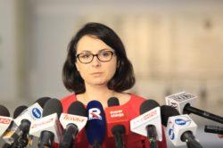 Kamila Gasiuk-Pihowicz składa zawiadomienie o podejrzeniu popełnienia przestępstwa przez Senatora Bonkowskiego.