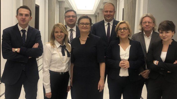 Posłanki i posłowie Nowoczesnej na inauguracji Sejmu IX kadencji.